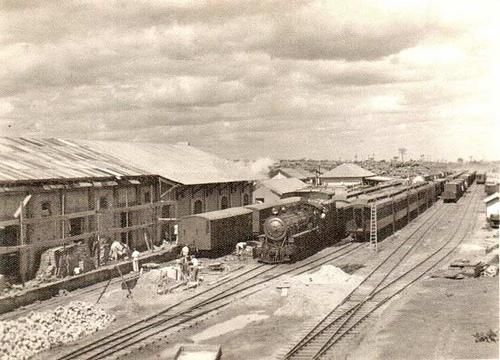 Estação com Trem