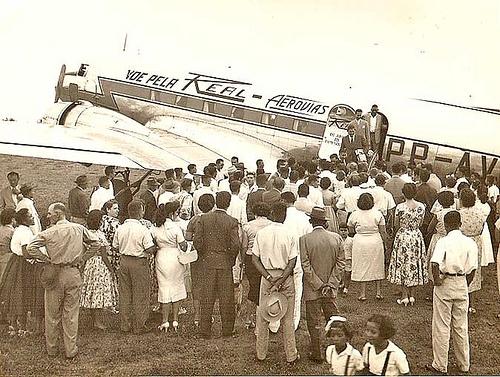 Foto em Grupo com Avião