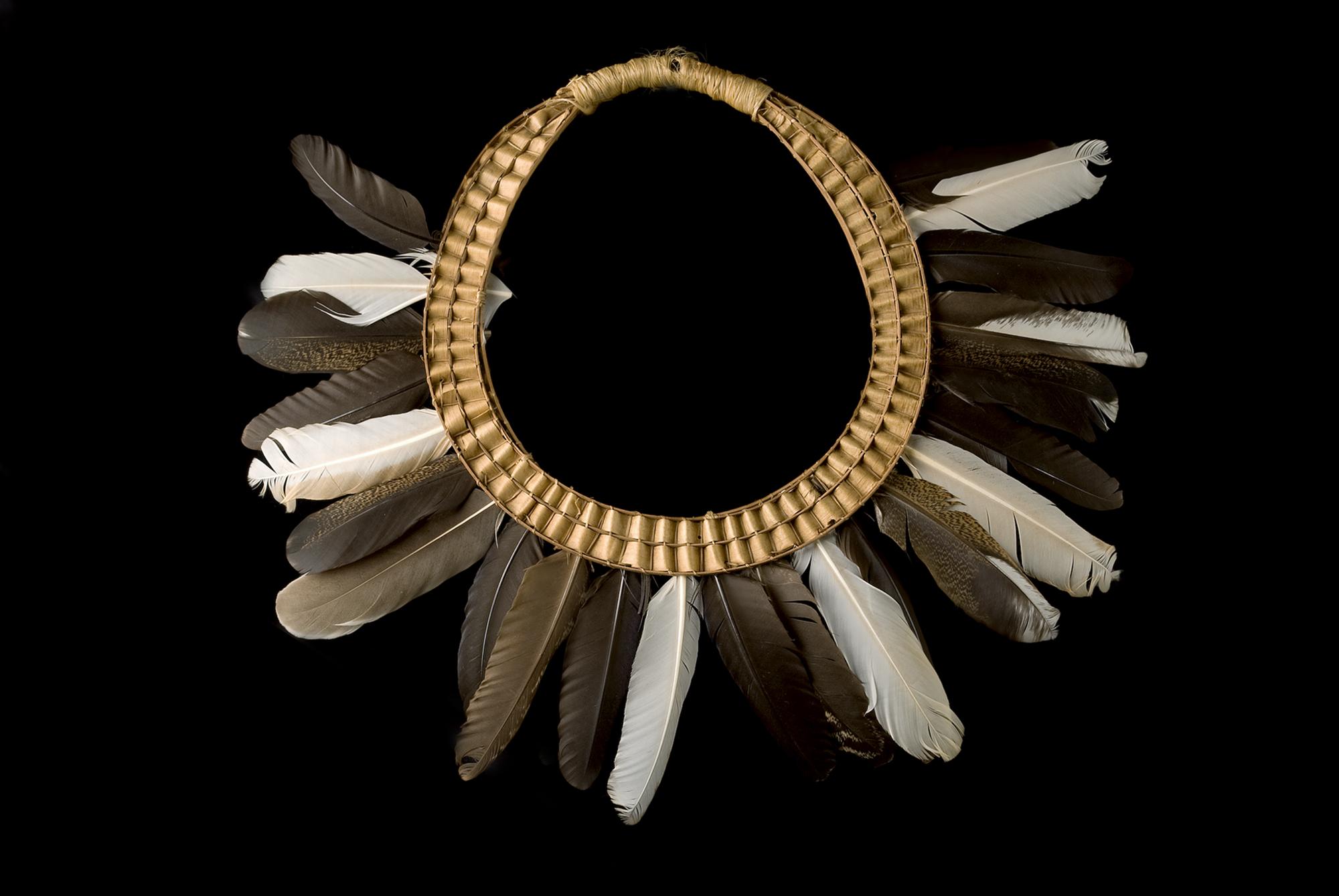 Coroa radial emplumada Asurini do Tocantins (provavelmente)